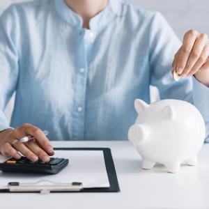 お金を貯めるのが苦手な人のための賢い貯蓄術。
