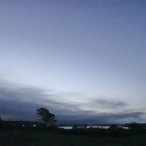 星も見えていた青空に突如張り出してきた黒い雲