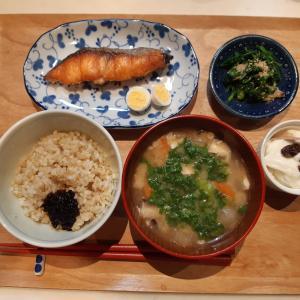 焼鮭と豚汁で朝ごはん♪