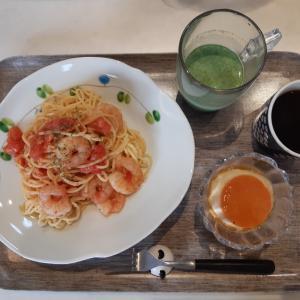 フレッシュトマトのパスタとプリンで朝ご飯♪
