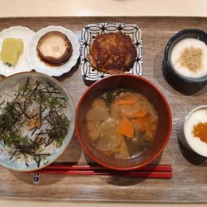 しらす丼と大根餅で朝ご飯♪