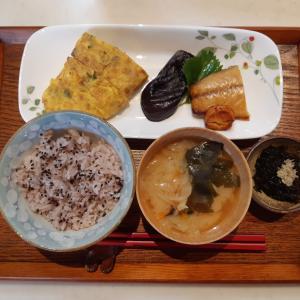 雑穀米とオムレツで朝ご飯♪