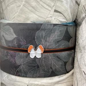 帯飾と羽織紐が喧嘩……