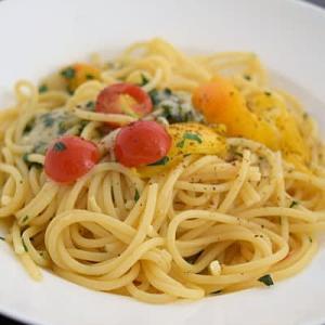 色々トマトのシンプルパスタ