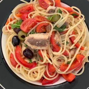 オイルサーディンとトマトのスパゲッティ