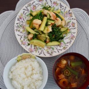 エビとコリアンダーのチリ炒めの一汁一菜