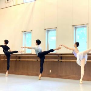 クラシックバレエにおける「えびぞり」について
