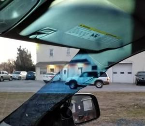 車の死角「Aピラー」に映像を投影して事故を減らす