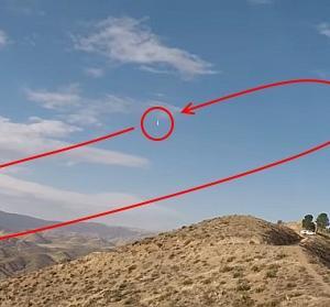 ラジコングライダーが時速882kmを達成