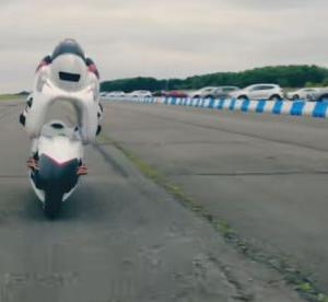 風穴を開けた電動バイクは空気抵抗が69%減る
