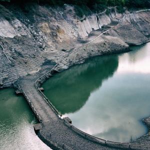 宮ヶ瀬湖など、枯れたダムに現れる廃墟を探す時のコツ