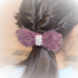 ふわふわ毛糸とパールビーズでリボンヘアゴム