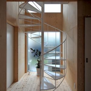 シンプルなラセン階段!