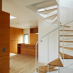 玄関ホールのラセン階段!