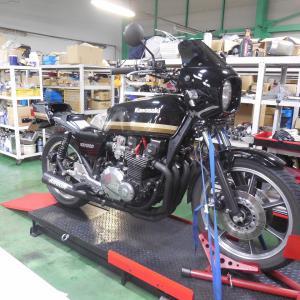Z1000J エンジンオイル漏れ修理依頼から、、、分解、原因究明編です。