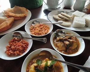 ●S旅説明会を兼ねた、スリランカご飯食べよう会