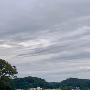今日は雨になったけれども明日は晴れ