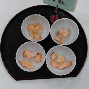 日本の朝食と言えば鮭ですね。