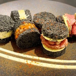 黒いサンドイッチ!バーニーズカフェ in 銀座