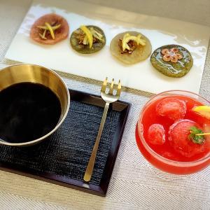 ソウル薬令市場にいる気分!韓方の香り充満!サンファ茶作り