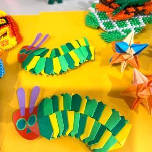 子供に大人気の「はらぺこあおむし」を折り紙で作る