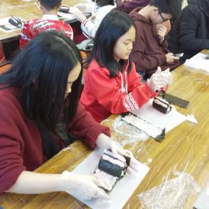 ベトナム学生と飾り巻き寿司《日本文化体験教育旅行プログラム》