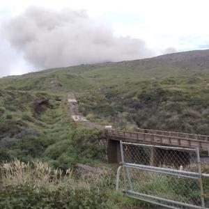 阿蘇山  噴煙と火山灰