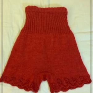 オシャレ(?)毛糸のパンツが完成