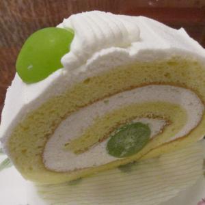 【KIHACHI】シャインマスカットのロールケーキ
