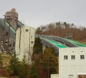 長野県白馬村ジャンプ競技場と、姫川源流。