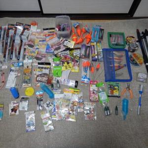 海釣り用品盛り合わせをヤフオクに出品しています。