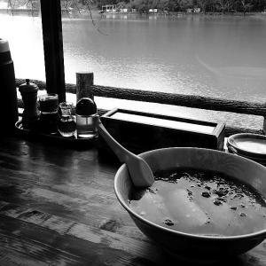 船明の「とん吉」でチャーシュー麺