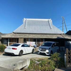 明治44年築の茅葺き屋根の贅沢な平屋です。