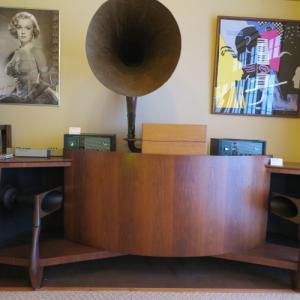 Antiques 文明機器コレクター菅原和雄宅のオーディオルームでシャンソンを聴く