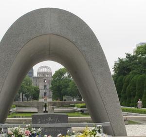 広島、長崎の悲惨を繰り返さないためには、何をなすべきか