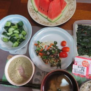 朝:野菜添え目玉焼き、野菜ジュース&紫蘇巻き 昼:メロンパン、焼鳥もも塩&牛肉コロッケ 夜:カツオ刺身、シシャモフライ&とうもろこし