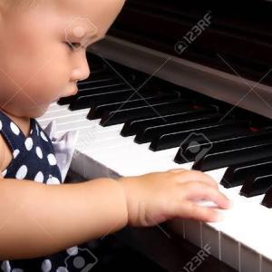 0歳、1歳、2歳のピアノレッスンを学びました。適期教育とは?