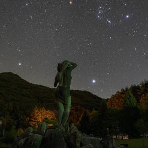 みずがき湖での星景写真 昇ってきた冬の大三角