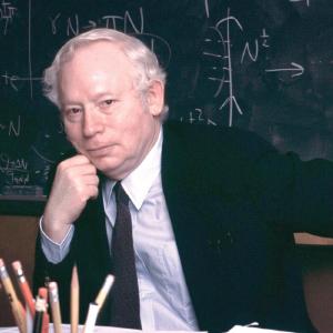 宇宙物理学  スティーヴン・ワインバーグさん