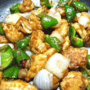 鶏肉とピーマンの味噌炒め・白菜と鶏肉の中華煮・鶏皮にんにく