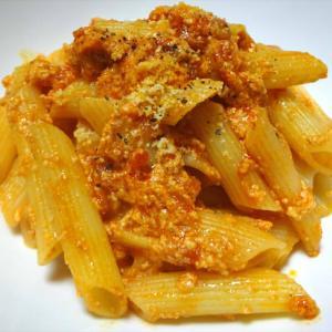リコッタチーズのトマトペンネ・カラスミのパスタ
