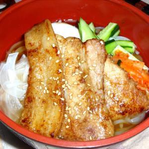 豚バラ塩麹漬け焼き乗せ冷麺