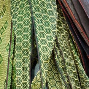 琉球畳の表替えをするよりも、縁取り畳で畳替えをしたほうが安い⁉