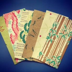美しい千代紙で封筒作り