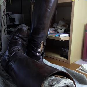 雨の日は長靴の修理とLong Long Time Ago。