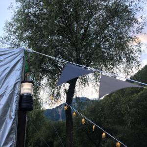 テントやタープの張り綱をガーランドでデコる!「早川町オートキャンプ場」その3