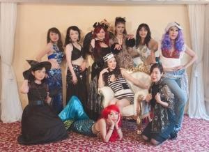 仮装パーティで盛り上がるベリーチーム