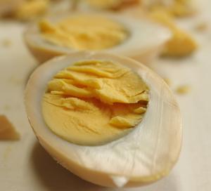 燻製卵とポテトのサラダ