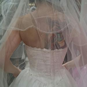 ドレス試着の前にタトゥーカバーのリハーサルです