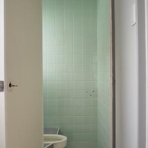 実家片づけ|壁紙を貼ったトイレのbefore→after